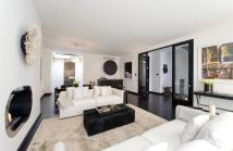 4 bed home to rent in Grosvenor Crescent Mews...