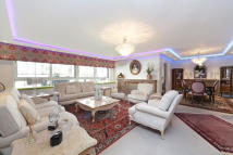 3 bed house to rent in Cheyne Walk, London, SW3