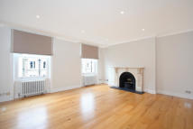 2 bedroom property in Redcliffe Road, Chelsea...