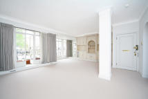 2 bedroom property in Cadogan Place...