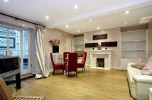 2 bed Apartment in Hertford Street, Mayfair...