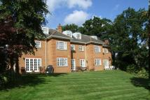 2 bedroom Ground Flat for sale in HOOK HEATH/WOKING