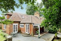 5 bed Detached property for sale in ST JOHNS/WOKING