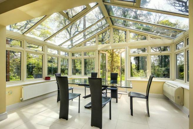 Open Plan Dining Room/Conservatory