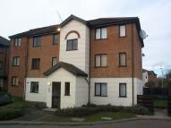 Flat to rent in Parrots Field, Hoddesdon...
