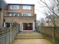 Riversmeet End of Terrace house to rent
