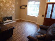 Terraced property to rent in Bury Road, Breightmet...