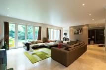 5 bed Detached property for sale in Hendon Lane, Finchley, N3