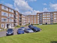 2 bed Flat to rent in Chessington Court...