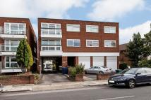 3 bed Flat in Granville Road, Finchley...