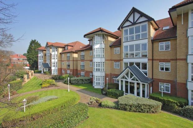 2 Bedroom Flat For Sale In Riverside Gardens Finchley