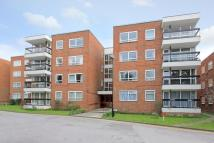 Flat to rent in Greenacres, Finchley...