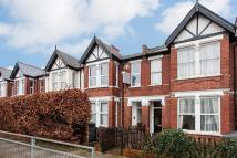 Flat to rent in Squires Lane, Finchley...