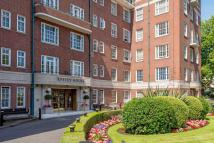 3 bedroom Flat to rent in Finchley Road...