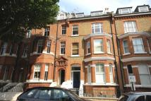 Flat to rent in Warrington Crescent...