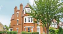 6 bed house in Harvist Road, Queens Park