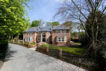 6 bedroom Detached home in The Spinney...