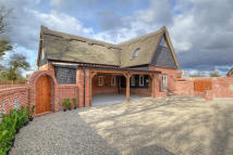 4 bed Barn Conversion in Framingham Earl