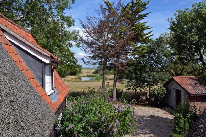 3 Bedroom Detached House For Sale In Burgh Castle Near