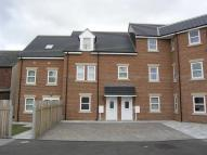 Flat to rent in Heath Road, Holmewood...
