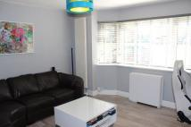 Flat to rent in Pevensey Avenue Enfield