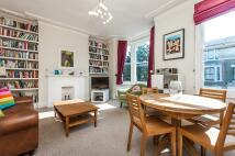 3 bedroom Flat in Offley Road, Oval...