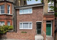 Terraced home to rent in SOUTH ISLAND PLACE, SW9