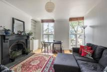 Flat in KENNINGTON ROAD, SE11