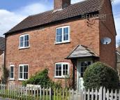 3 bedroom Cottage in Newton Way...