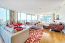 Penthouse in Kingfisher House...