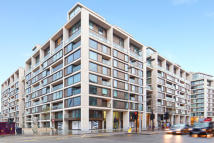 2 bedroom Apartment in Lord Kensington House...