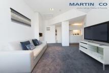 Studio flat to rent in Pont Street, Chelsea