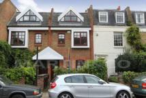 Battersea Church Road Terraced property to rent