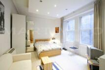 Apartment in Collingham Road...