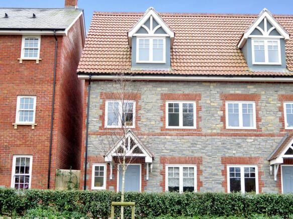 3 bedroom semi detached house for sale in glastonbury road