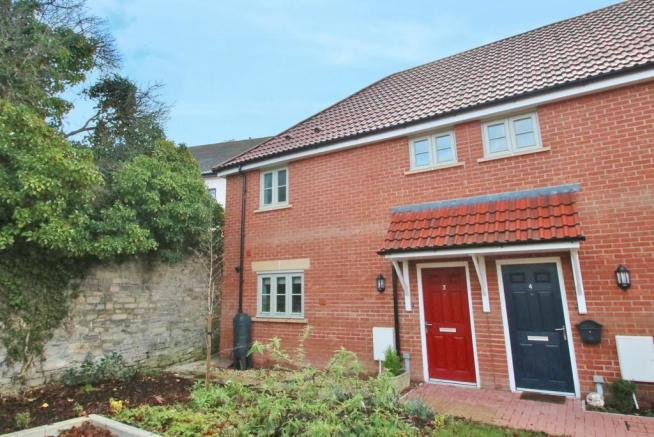 2 bedroom end of terrace house for sale in chalice park for 1 park terrace glastonbury