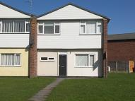 Town House to rent in Mossfield Road, Kearsley...