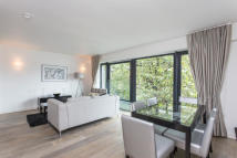 2 bed Flat for sale in Hortensia Road, London...