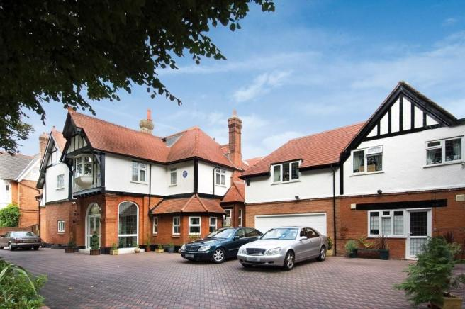 10 bedroom detached house for sale in grove park gardens for Grove house