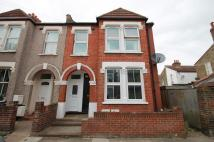 Ground Flat to rent in Fairlight Road, Tooting...
