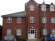 Flat to rent in Pear Tree Court, Aspull...