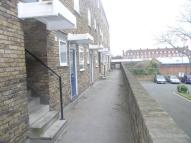 Flat to rent in Surcot House, Battersea...