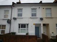 2 bedroom Flat in Finborough Road, Tooting...