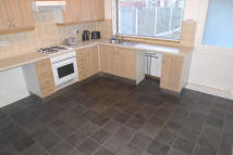 2 bed Terraced home to rent in Wadsworth Road, Bramley