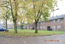 2 bedroom Ground Flat to rent in Little Gearies...