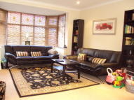 3 bed Terraced property in Oakleafe Gardens...