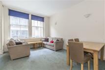 3 bedroom Flat in Great Sutton Street...