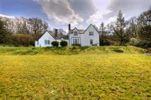 Detached property in Ardchyline...