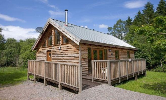 2 bedroom log cabin for sale in oak cabin dalavich for One room log cabin for sale