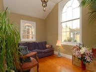2 bed property in Endymion Road, Brixton...